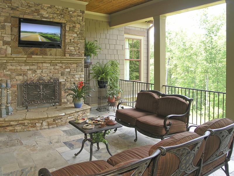 bigstock_luxury_home_patio_2016579